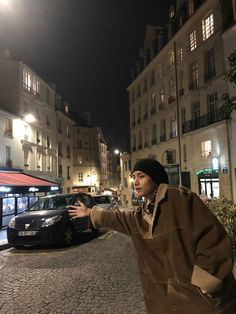 When does the car from Midnight in Paris come? I want to time-travel as well. I also want to meet them. V Taehyung Paris BTS Midnight in Paris Jhope, Jungkook Jeon, Kim Taehyung, Bts Bangtan Boy, Daegu, K Pop, Bts 2018, Bts Twt, V Bts Wallpaper