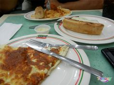 Sbarro has different dishes but the reason everyone keeps coming back is their pizza. French Toast, Pizza, Relax, Restaurant, Dishes, Drink, Breakfast, Food, Cagayan De Oro