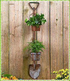 Hanging Rustic Country Garden Planter Shovel Pitchfork Metal Lawn Yard Decor Display flowers or show off your herbal garden with these Hanging Rustic Garden Planters. Designed to resemble a traditional gardening tool, it features 2 Hanging Herb Gardens, Herb Garden Planter, Hanging Herbs, Vertical Gardens, Planter Pots, Wall Planters, Herbs Garden, Metal Planters, Planter Ideas