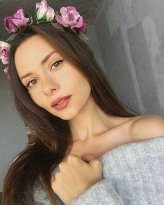 87 отметок «Нравится», 2 комментариев — ЦВЕТЫ ИЗ ТКАНИ (@kulikova.valeria) в Instagram: «Безумно красивая, утонченная и с изысканным стилем Алина. Смотрю все её видео на Ютюб, и…»