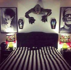 37 Creative horror decoration ideas for the men's bedroom - Bedroom Decor Ideas Goth Home Decor, Retro Home Decor, Unique Home Decor, Creative Decor, Bedroom Themes, Home Decor Bedroom, Bedroom Ideas, Bedroom Rustic, Gothic Bedroom Decor