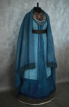 Old Fashioned Clothes : (notitle) Viking Garb, Viking Dress, Medieval Costume, Medieval Dress, Historical Costume, Historical Clothing, Viking Clothing, Medieval Fashion, Period Outfit
