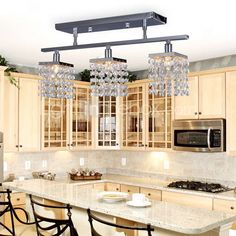 $303; Chandelier with 3 lights in Crystal - Linear Design; Item ID #00159491