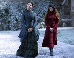 I LOVED every one of Clara's dresses in the Doctor Who Christmas episode... Might go Victorian for Halloowedding. Doctor Who Series 7, New Doctor Who, Doctor Who Christmas, Christmas Episodes, Christmas Time, Christmas Ideas, Tv Doctors, Victorian Costume, Victorian Era
