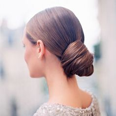 All hair types will look fabulous wearing a chic chignon, but you'll want to read these tips before you make a decision to wear this style on your wedding!
