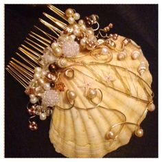 Mermaid costume oyster shell hair comb accessory Fancy dress wire pearls hand made craft
