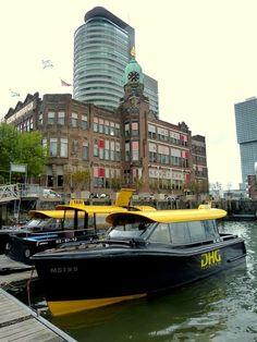 Watertaxi, Kop van Zuid, Rotterdam, Zuid-Holland.