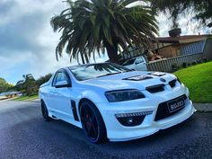 Few pics of the girl at mates house 🙂👌  Holden Maloo, Holden Australia, Aussie Muscle Cars, Holden Commodore, Car Pictures, Photos, Car Photography, Western Australia, Random