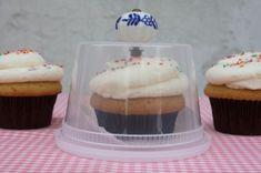 DIY Cupcake Holder!    upside down plastic conatiner + drawer knob = cute!
