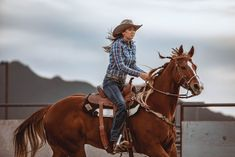 Find the latest styles in cowboy boots & hats, western wear, work boots and much more. Western Horse Riding, Cowgirl And Horse, Horse Girl, Cute Horses, Horse Love, Beautiful Horses, Baby Horses, Barrel Racing Horses, Barrel Horse