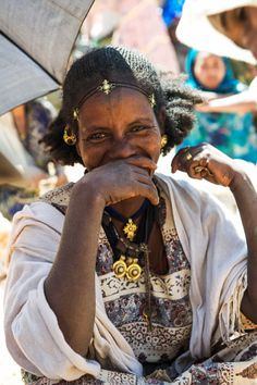 Africa: Woman at the market in Tigray, northern Ethiopia | ©Georges Courreges