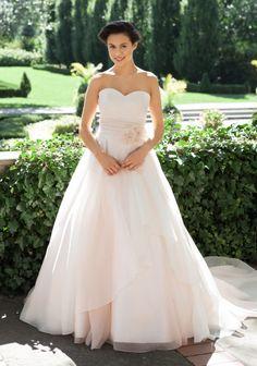 LOVELY BRIDE Eugenie - Lea Ann Belter Bridal