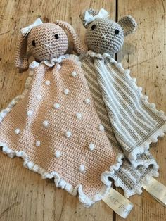 Child Knitting Patterns Crochet with Kate: Animal Taggy Blankets! Baby Knitting Patterns Supply : Crochet with Kate: Animal Taggy Blankets! by tolleLolle Crochet Diy, Crochet Gratis, Crochet Amigurumi, Amigurumi Patterns, Crochet For Kids, Crochet Dolls, Crochet Ideas, Crochet Bunny, Filet Crochet