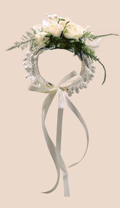 Elegante #pulsera de #novia con brotes de #azahar #strass y #flores #naturales inspiración #vintage #grace