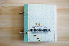 Tuto mini album àpochettes transparentes et tampons bois de Kési'art: http://kesiart.oxyweb.com/blog/2014/03/mini-album-a-pochettes-transparentes-avec-les-tampons-bois/