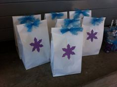 Frozen Party - Lunch Bags - deliver fun Friday treats like this - snowballs, ginger cookie, maybe do you wanna build a snowman bags & melted snowman water