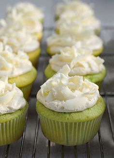 Easy Pistachio Cupcakes Recipe topped with white chocolate shavings. Use GF cake mix? Gourmet Cupcake Recipes, Dessert Recipes, Yummy Treats, Sweet Treats, Yummy Food, Yummy Yummy, Think Food, Love Food, Cupcake Party