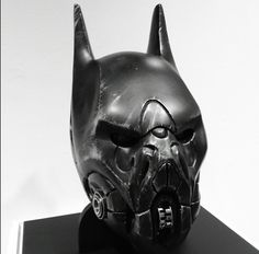Unique spin on the batman helmet