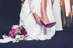 Shoes, wedding, purple details, bridal bouquet