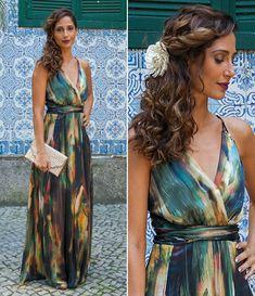 Regina surgiu com um look doce e delicado no casamento de Gabi e Diogo (Foto: Fabiano Battaglin/Gshow)