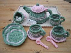 Crochet Food, Crochet For Kids, Crochet Yarn, Crochet Patterns Amigurumi, Crochet Dolls, Yarn Crafts, Sewing Crafts, Crochet Furniture, Amigurumi Animals