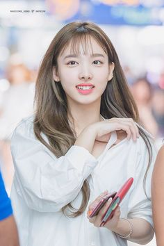 Twice-Nayeon 180810 Incheon Airport to LA Extended Play, South Korean Girls, Korean Girl Groups, Twice Korean, Nayeon Twice, Dahyun, Im Nayeon, Entertainment, One In A Million