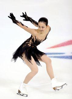 女子SPで演技する浅田真央 (464×640) 「浅田、得点伸びず 「原因わからない」 女子SP」 http://www.asahi.com/articles/photo/AS20161022000801.html