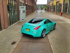 Matte teal 350z such a good color.