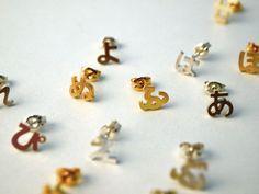 yuki nagao ひらがなピアス Hiragana earrings-- so cute!