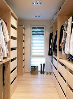 Like the style of the drawers / the simplicity