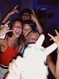 Photos Bff, Best Friend Photos, Best Friend Goals, Summer Dream, Summer Girls, Cute Friends, Best Friends, Drunk Friends, Tumbr Girl