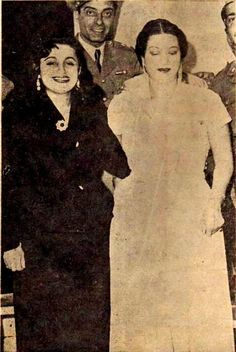 ام كلثوم وسعاد محمد <3 Old Egypt, Egypt Art, Egyptian Movies, Egyptian Actress, Rare Photos, Classic Beauty, Umm Kulthum, Actors & Actresses, Cinema
