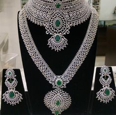 Jewellery Box Kit at Jewellery Box Stores Near Me whether Jewellery Box Online India & Asian Jewelry Stores Near Me Indian Wedding Jewelry, Indian Jewelry, Bridal Jewelry, Silver Jewelry, Antique Jewelry, Sparkly Jewelry, Bridal Necklace, Indian Bridal, Bridal Accessories