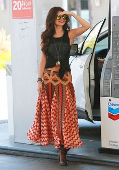 I can see this outfit on my beautiful daughter Mona! She cud wear this!! Really nice!