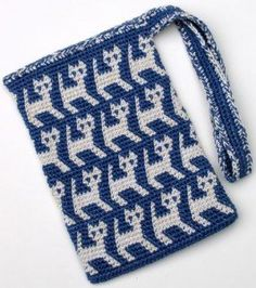 A Perrrrfectly Wonderful Tapestry Crochet Kitty Bag by Carol Ventura, and more free crochet patterns for cat lovers
