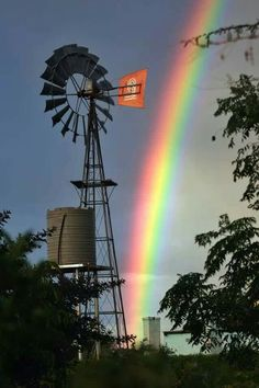 Karoo South Africa Escudo River Plate, Farm Windmill, Windmill Art, Old Windmills, Country Scenes, Le Far West, Water Tower, Old Barns, Le Moulin
