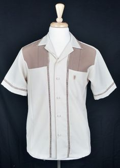 Vintage Iolani Executive Men's Tan Two-Tone Button-Up Short Sleeve Shirt Size M #Iolani #Hawaiian