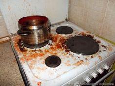 Ο μόνος λόγος για να μη κάνεις σάλτσες ντομάτας σε βάζα Griddle Pan, Kitchen Hacks, Oven, Food And Drink, Kitchen Appliances, Desserts, Diy Kitchen Appliances, Tailgate Desserts, Home Appliances