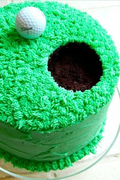 Golf Cake: Make a hole in one with this vibrant cake. Dad won't be able to r… Golf Cake: Make a hole in one with this vibrant cake. Dad won't be able to resist! Click through to find some more easy Father's Day cupcake and cake decorating ideas. Fathers Day Cupcakes, Fathers Day Cake, Cupcake Recipes, Cupcake Cakes, Cake Cookies, Bolo Diy, Cupcakes Decorados, Cookie Decorating, Decorating Ideas