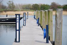 Naturhafen Gustow, Insel Rügen  Der vor Wind und Wellen aus allen Richtungen geschützte Naturhafen Gustow, auf der Halbinsel Drigge am südlichen Strelasund, bietet eine ruhige Lage, inmitten der einmaligen Landschaft Rügens.