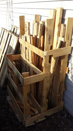 P.A.L.L.E.T. (Pallet And Loose Lumber Enclosure Tower) - built by AmateurHour [Instructables] from boards cut from pallets