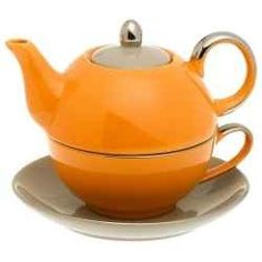 Orange Tea Kettles we LOVE - http://orangekitchendecorideas.blogspot.com/2013/02/orange-tea-kettles-love-these-orange.html  #ppgorange