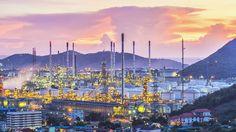Refinaria de petróleo: a startup OXI ambiental trabalha com descontaminação em indústrias como a petroquímica