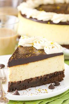 Crazy for cheesecake? Well then you have to try this Baileys Irish Cream Cheesecake! Featuring a chocolate cookie crust, creamy Baileys Irish Cream Cheesecake filling,…View Post Baileys Cheesecake, Cheesecake Brownies, Cheesecake Recipes, Dessert Recipes, Homemade Cheesecake, Easy Desserts, Toffee Cheesecake, Health Desserts, Chocolate Chip Cookies