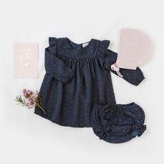 Look • Robe et bloomer imprimé fleuri Buho • Béguin en coton et cachemire Le Petit Germain