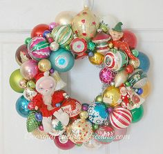 La Boutique Vintage will inspire you with lots of ideas. Christmas Ornament Wreath, Christmas Wreaths, Christmas Crafts, Christmas Ideas, Holiday Ideas, Merry Christmas, Vintage Christmas Balls, Vintage Holiday, Vintage Wreath