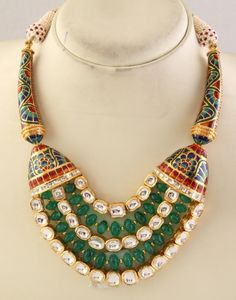 Considered to be a traditional jewelry of India, this JADAU JEWELRY is used in many traditional and auspicious occasions, like marriages and festival celebrations. Has a historic flavor too. India Jewelry, Ethnic Jewelry, Diamond Jewelry, Gold Jewelry, Traditional Indian Jewellery, Engraved Jewelry, Jewelry Patterns, Necklace Set, Emerald Necklace