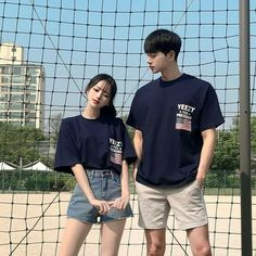 Korean Best Friends, Boy And Girl Best Friends, Matching Couple Outfits, Matching Couples, Korean Couple Photoshoot, Couple Ulzzang, Mode Ulzzang, Korean Girl Photo, Cute Couple Pictures