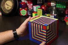 皆さん、ルービックキューブを解けますか? 自分では解けなくても人が超高速でルービックキューブを完成させるのを見 […]