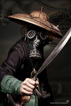 Rhino Gas Mask -- Steampunk Leather.    YOU WORKIN DAT HAT!